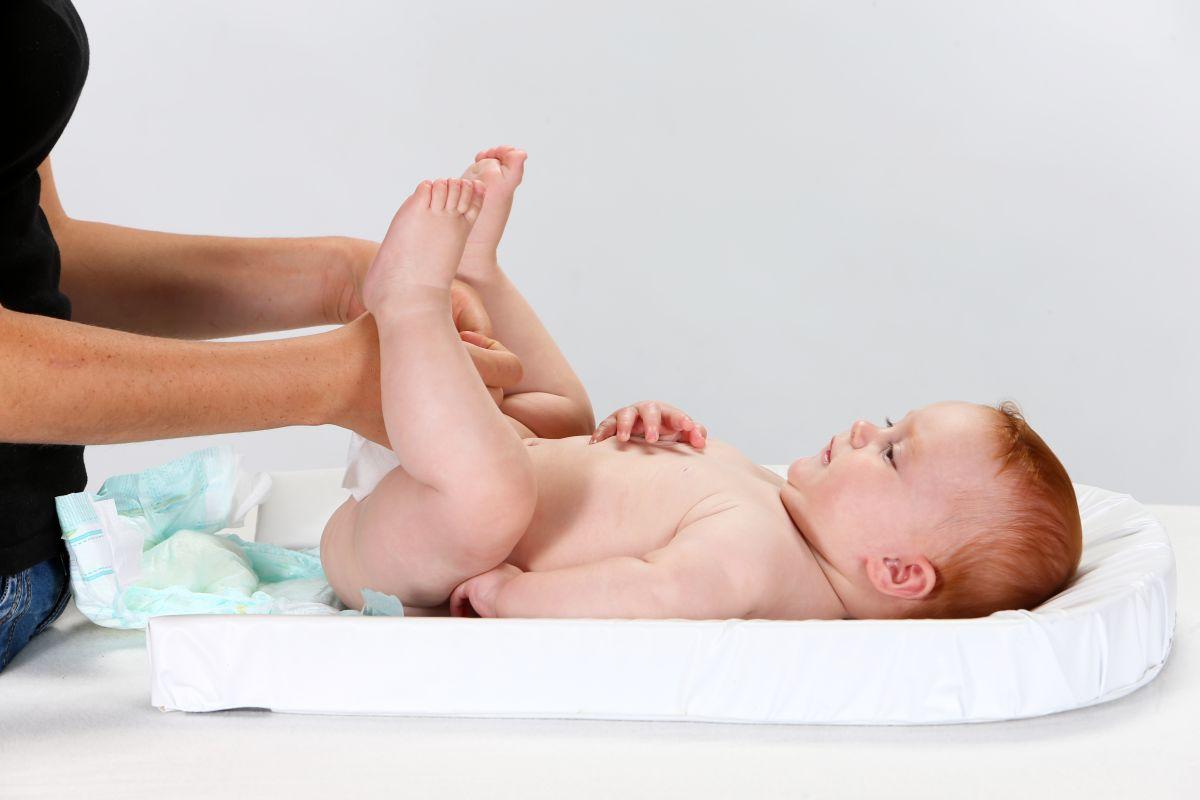 Cómo conocer el estado de salud de tu bebé a través de su pañal