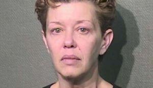 Enfrenta cargos por publicar fotos de la amante de su marido en Craigslist