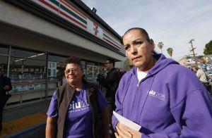 Crean guía para ayudar a organizarse contra deportaciones en su comunidad