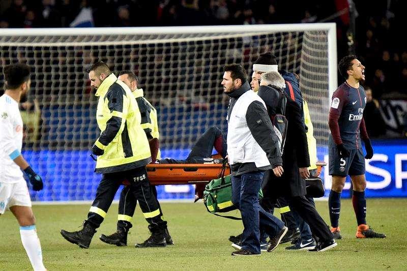 """La lesión de Neymar se transforma en """"novela"""" y causa confusión"""