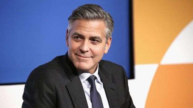 Video muestra choque frontal de George Clooney contra vehículo en Italia