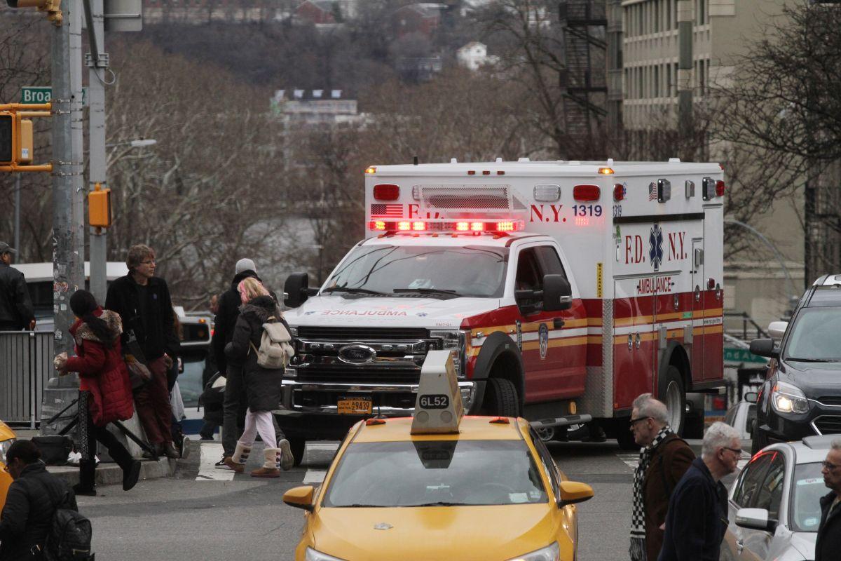 Mujer muere en accidente de Uber chocado en Queens