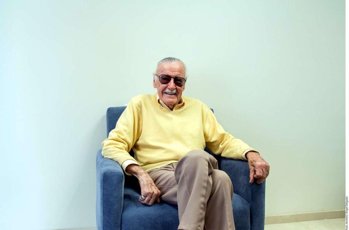 VIDEO: Stan Lee revela que padece neumonía