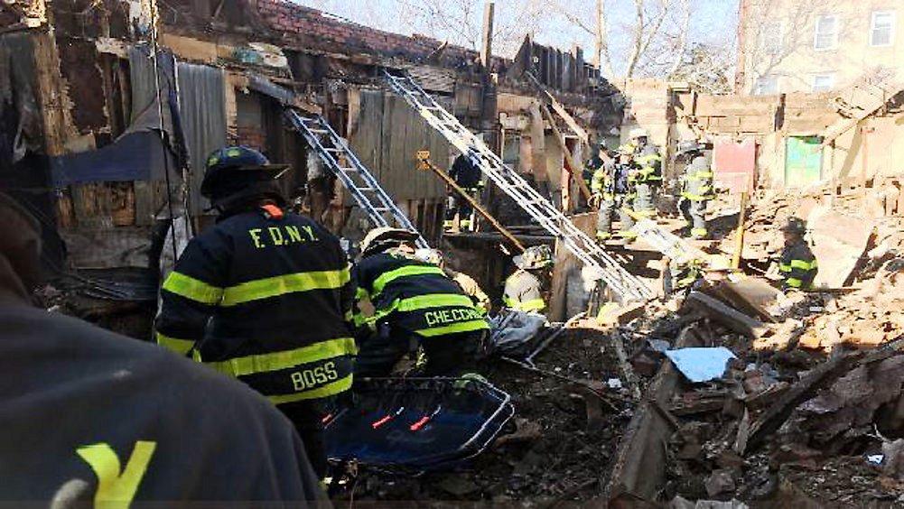 Dos ancianas mueren al incendiarse sus hogares en Queens