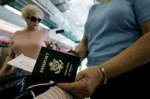 Proponen ley que quite la ciudadanía a inmigrantes naturalizados que cometan esta falta
