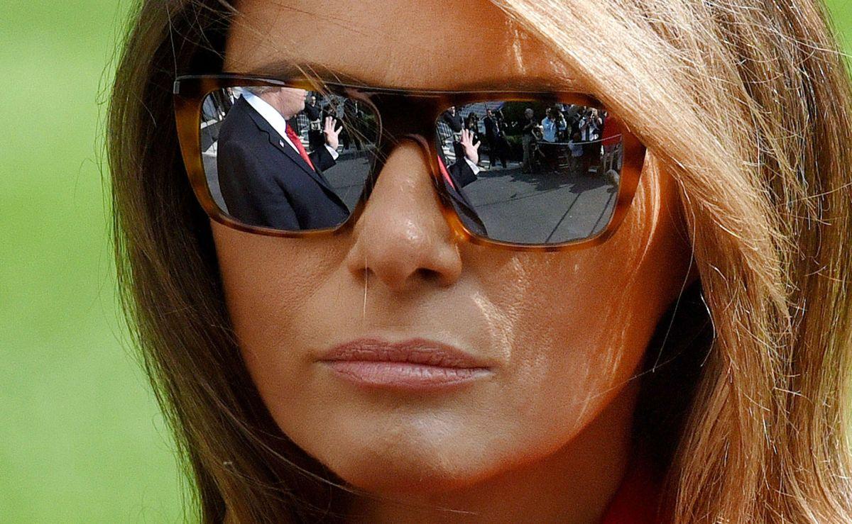 Melania Trump y su comentado atuendo en homenaje a agente fallecido