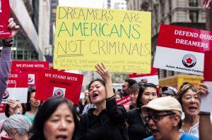 Fallo judicial afectaría calendario migratorio en el Senado, donde aún no hay acuerdo para Dreamers
