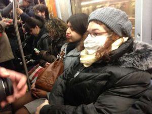 Hasta en el Subway le hacen la guerra al flu en NYC
