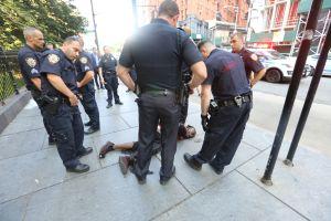 Cuestionan al NYPD por arrestos de hispanos y afroamericanos por marihuana