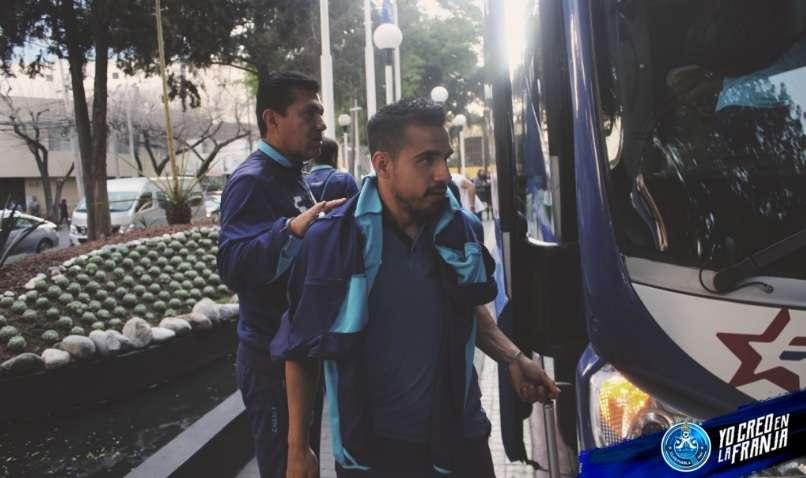 VIDEO: Jugadores del Puebla huyen despavoridos por el sismo en México