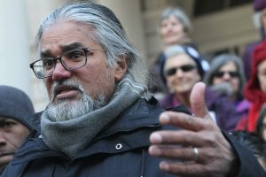Suspenden temporalmente la deportación de Ravi Ragbir