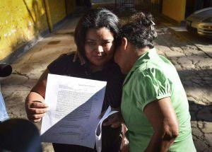 Tras 15 años en prisión, liberan a salvadoreña acusada de aborto