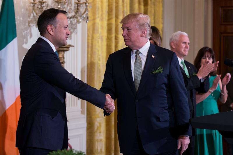 Trump ofrece ayuda a indocumentados irlandeses en Estados Unidos