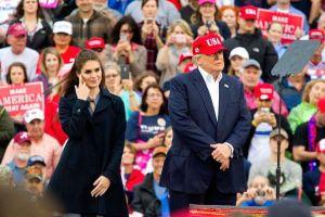 """Hope Hicks desempeñó, durante meses, el papel de hija """"adoptiva"""" del presidente Donald Trump"""