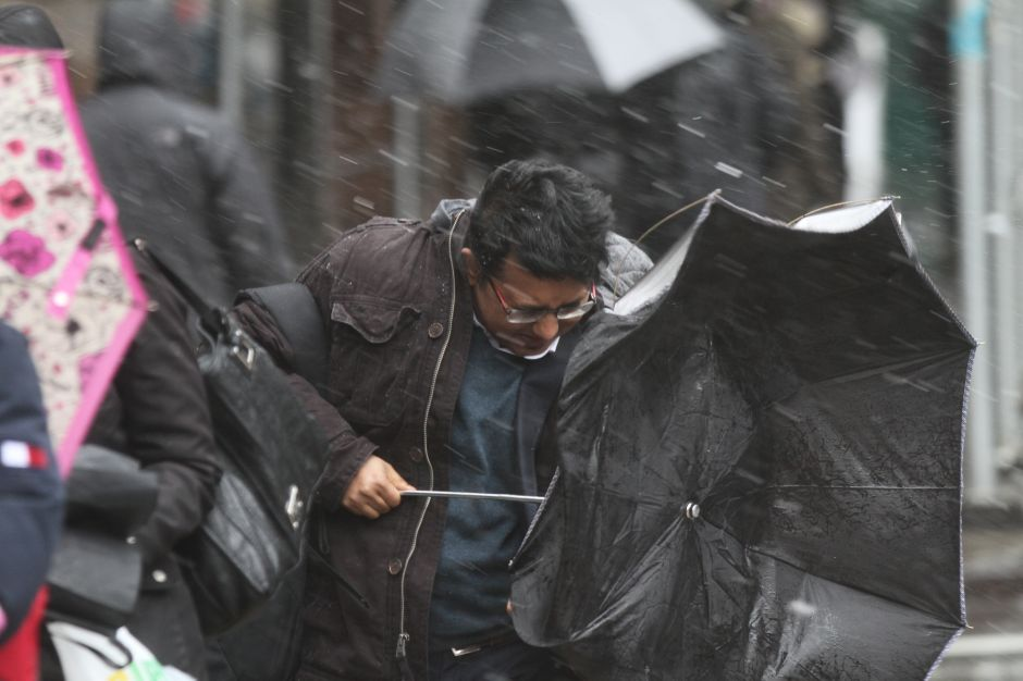"""EN FOTOS: Los efectos de la tormenta """"bombogénesis"""" en NYC"""