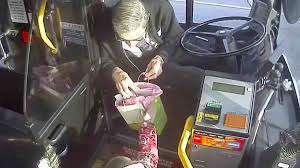 El emotivo adiós de un conductor de autobús a una niña de 4 años antes de cambiar de ruta