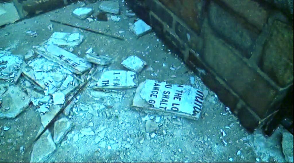 """Acusan a latino de destruir tabla de """"Los Diez Mandamientos"""" el Jueves Santo en NJ"""