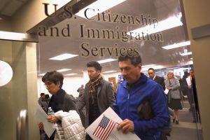 El ajuste de USCIS para condicionar visas especiales