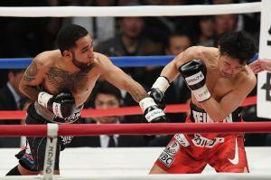 Boxeador mexicano pierde título en la báscula, pero despedaza a japonés