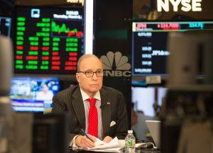 Trump elige a polémico comentarista de TV como su nuevo asesor económico