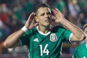 ¿Buen mensaje? Aconsejan al Chicharito como 'tirarse un clavado' en el Mundial