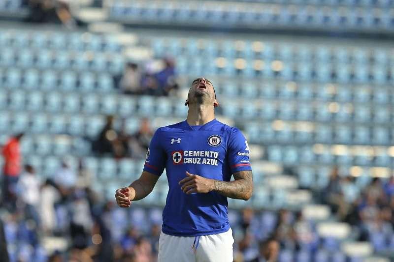 Ya probaron hasta con brujería, pero en Cruz Azul hoy le apuestan al 'coaching'