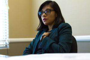 """""""No voy a esconderme"""": Asesora indocumentada del Senado de California no le tiene miedo a Trump"""
