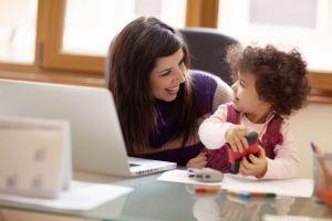 Las madres trabajadoras son una influencia positiva en los hijos
