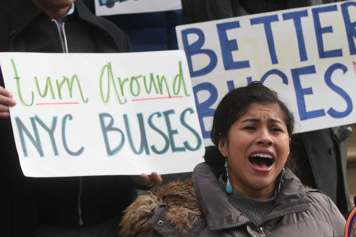 Piden al Alcalde acciones y recursos para mejorar autobuses en NYC