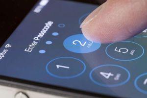Le prestó su iPhone a su hijo para que jugara ¡y lo bloqueó para los próximos 47 años!