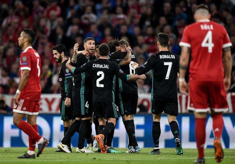Tiempo Extra: ¿Por qué no le hace pasillo el Real Madrid al Barcelona?
