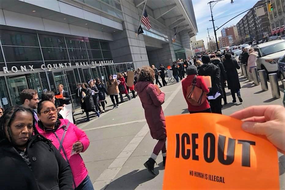 Abogados abandonan corte de El Bronx tras arresto de 'La Migra'