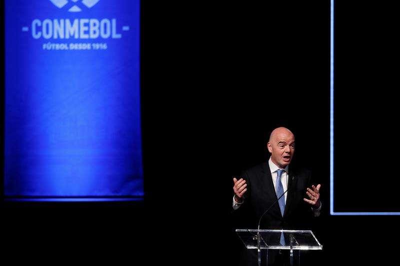 Conmebol pide a la FIFA que el Mundial de 2022 ya sea con 48 equipos
