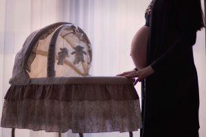 Pareja demanda a hospital por perder el cadáver de su bebé en Nueva York