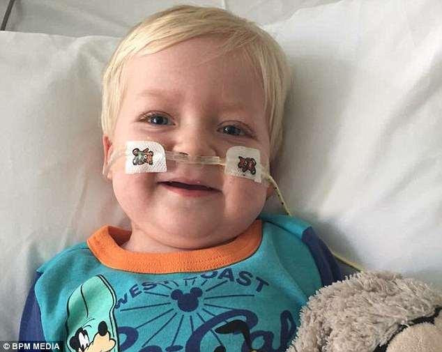 El milagro de pascua: deciden desconectar a su hijo del soporte vital y, sorprendentemente, se recupera