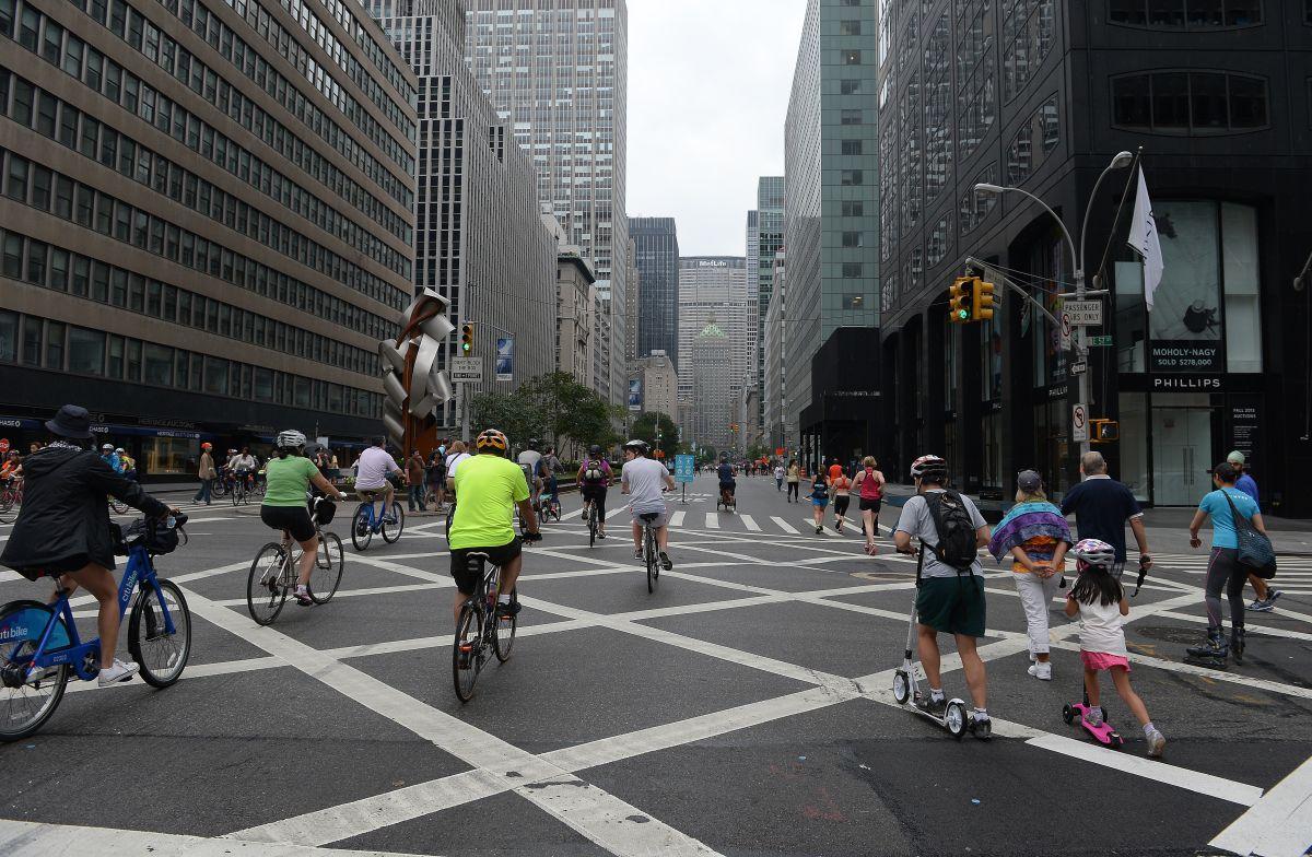 Corey Johnson asegura que abrir calles dará 'respiro' a neoyorquinos encerrados por coronavirus