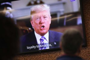 El poder en ley migratoria que Trump reabrió para endurecer políticas contra inmigrantes
