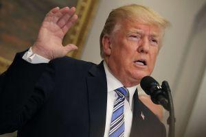 Trump y su tuit racista contra inmigrantes que la Casa Blanca no puede explicar