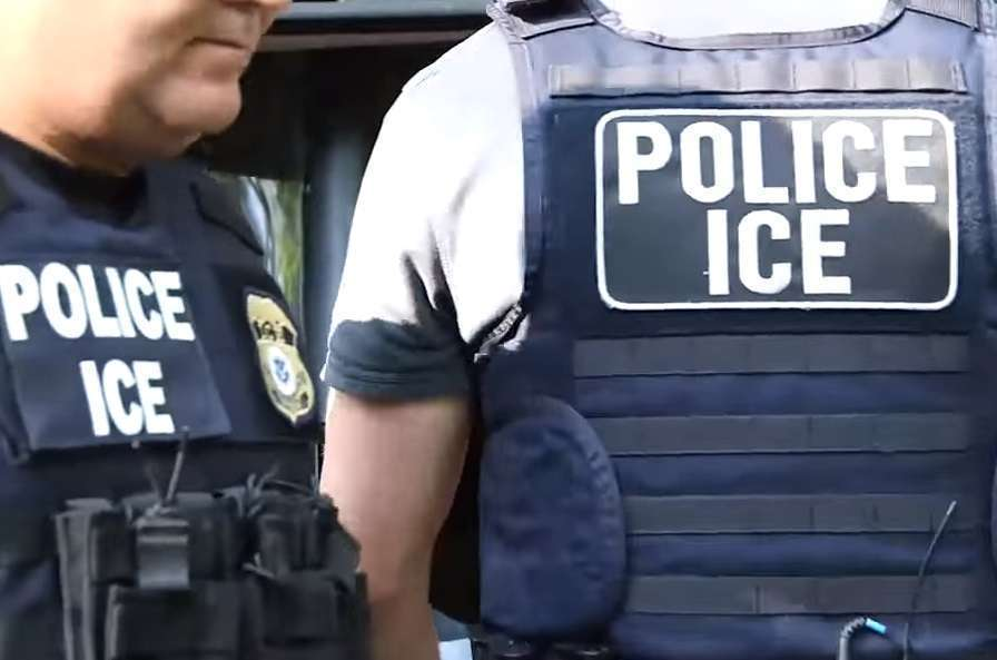 Las 5 prácticas de ICE que ponen en riesgo a inmigrantes