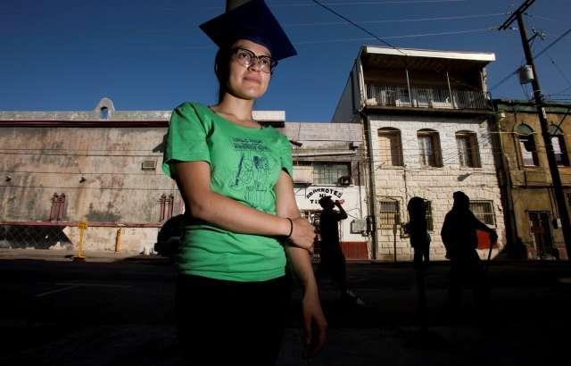 Jueza concede asilo a Lulú Martínez, 'dreamer' y activista de Chicago