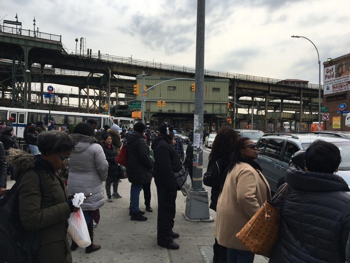 """MTA culpa a NYPD por causar """"inaceptable"""" caos en el Subway"""