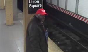 """Hombre negro con gorra pro Trump """"MAGA"""" avienta a hispano a vías del Metro en Nueva York"""