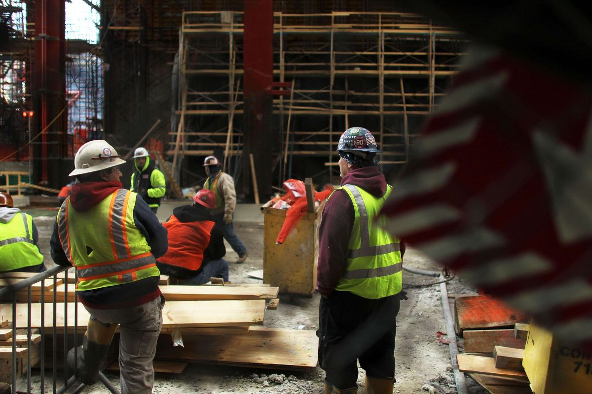 Subirá el salario mínimo a $15 la hora en Nueva York a fin de mes