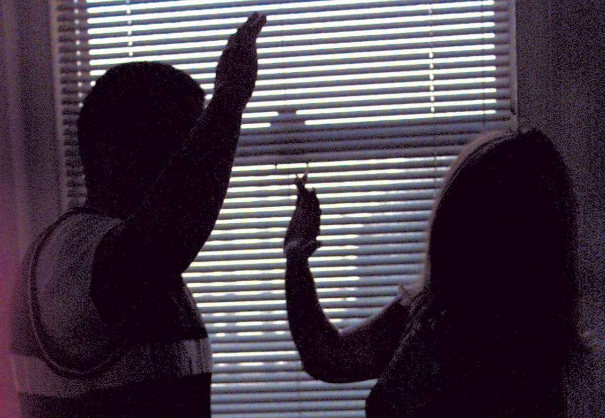 Cuomo: NY evalúa opciones ante negación de asilo a víctimas de violencia doméstica