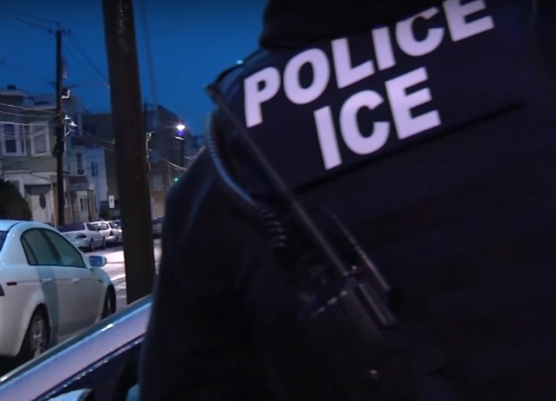 Inmigrantes indocumentados sin récord criminal en peligro de arresto en redadas de ICE