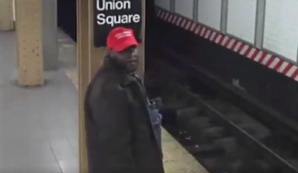 Atrapan a simpatizante de Trump sospechoso de empujar a mexicano a rieles del Metro