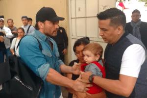"""Abogado de Julián Gil: """"No hay ninguna prohibición, en el aspecto legal, de sacarse una foto con su hijo"""""""