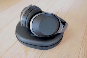 Los WH-1000XM2 de Sony son audífonos con excelente cancelación de ruido