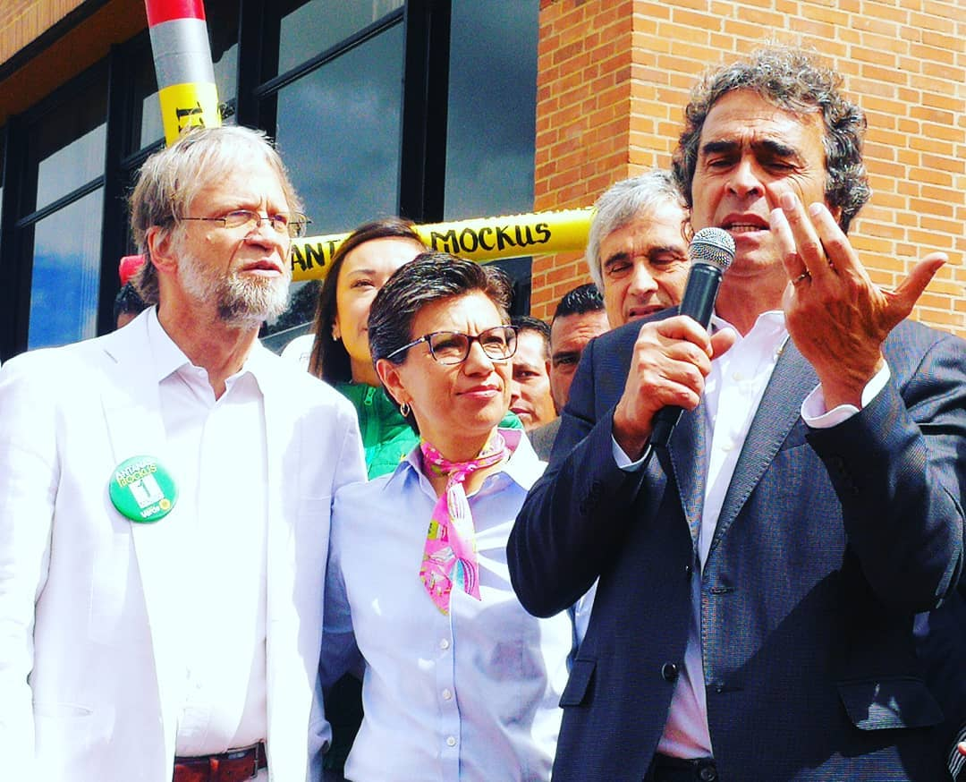 """Antanas Mockus: """"Ya es tiempo de que Uribe suelte el balón"""""""