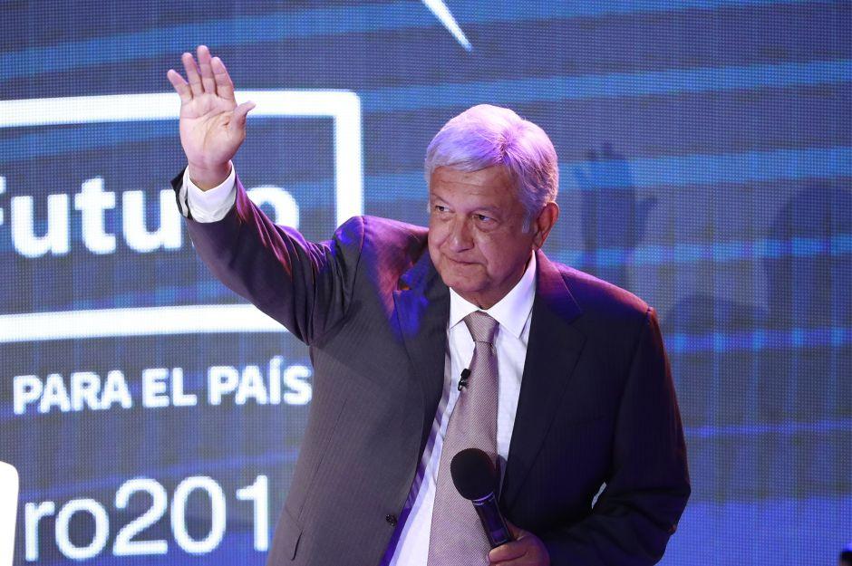 AMLO logra récord al superar el 50% de intención de voto